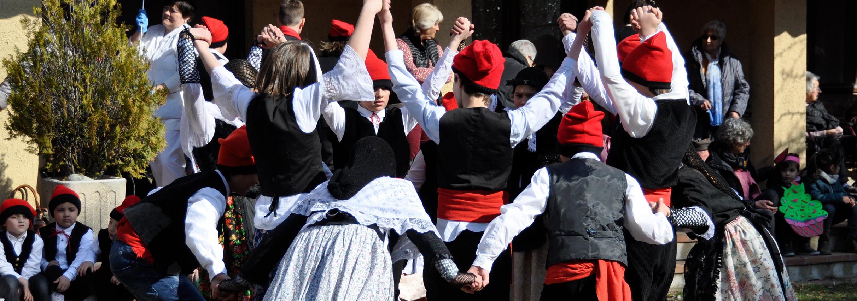 Les danses vives arriben a Esterri d'Àneu a manera de preludi del Dansàneu 2019 - DANSÀNEU - FESTIVAL DE CULTURES DEL PIRINEU