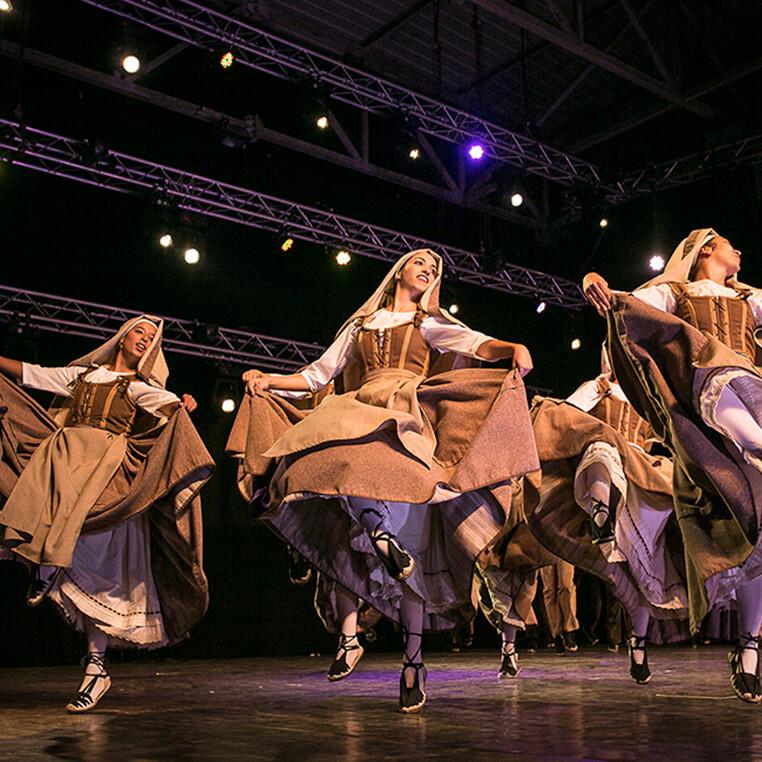 Formació en danses de la Garrotxa. Esbart Marboleny